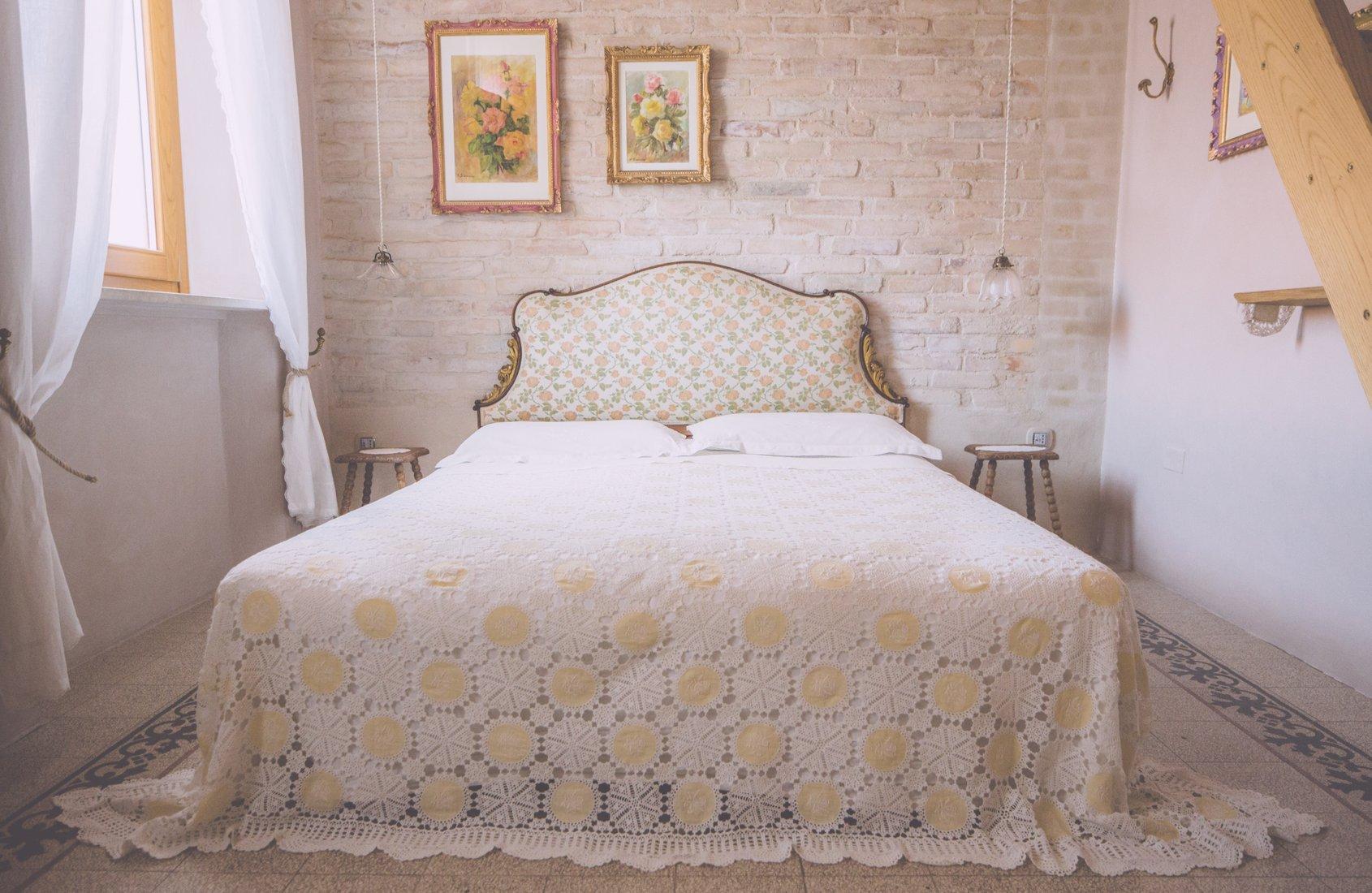 i_cucali_bed_and_breakfast_fronte_mare_porto_recanati_stanza_la_cucalina_slider_1